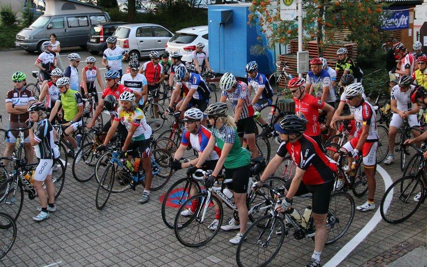 Read more about the article Radsonntag lockte rd. 500 Teilnehmer nach Bühlertal